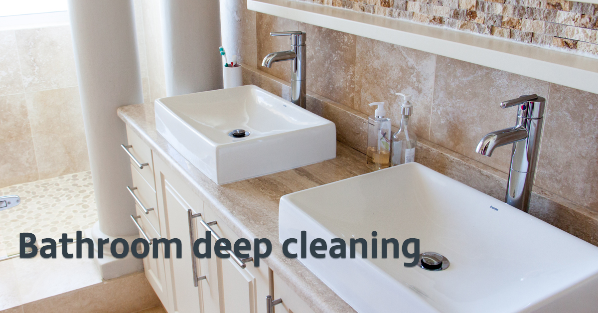 Bathroom deep cleaning