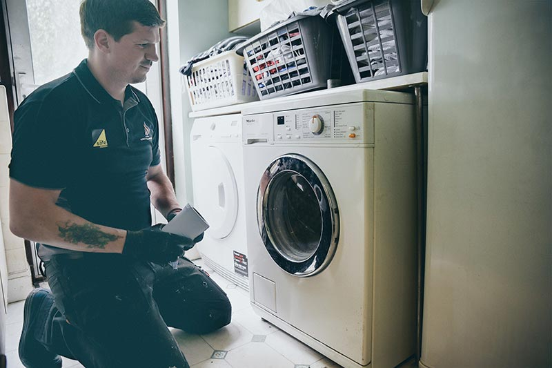 Local Hero Dave fixes a washing machine